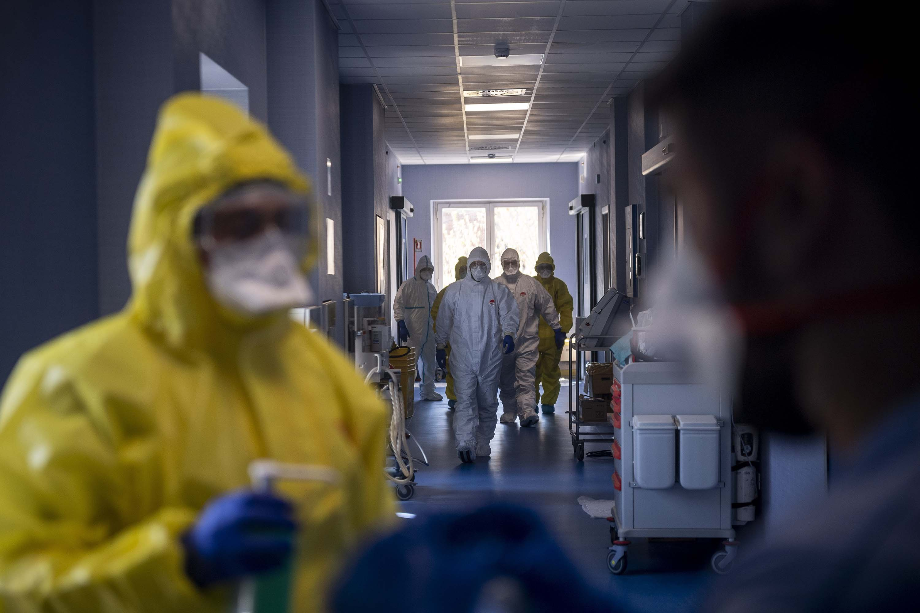 Doctors work in the intensive care unit at Celio Military Polyclinic Hospital in Rome, Italy, on April 1.