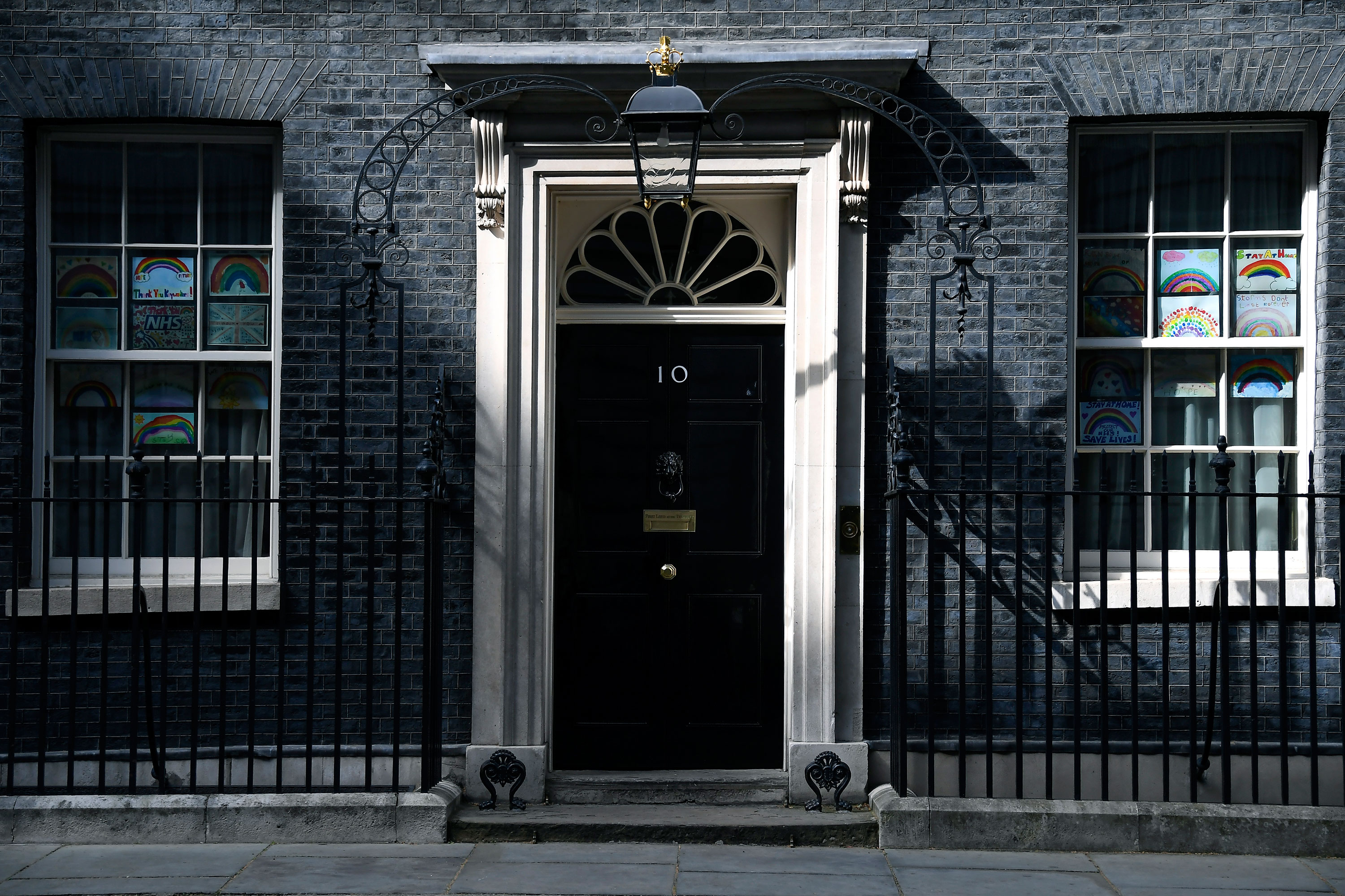 British Prime Minister Boris Johnson has returned to 10 Downing Street and will be back at work on Monday.