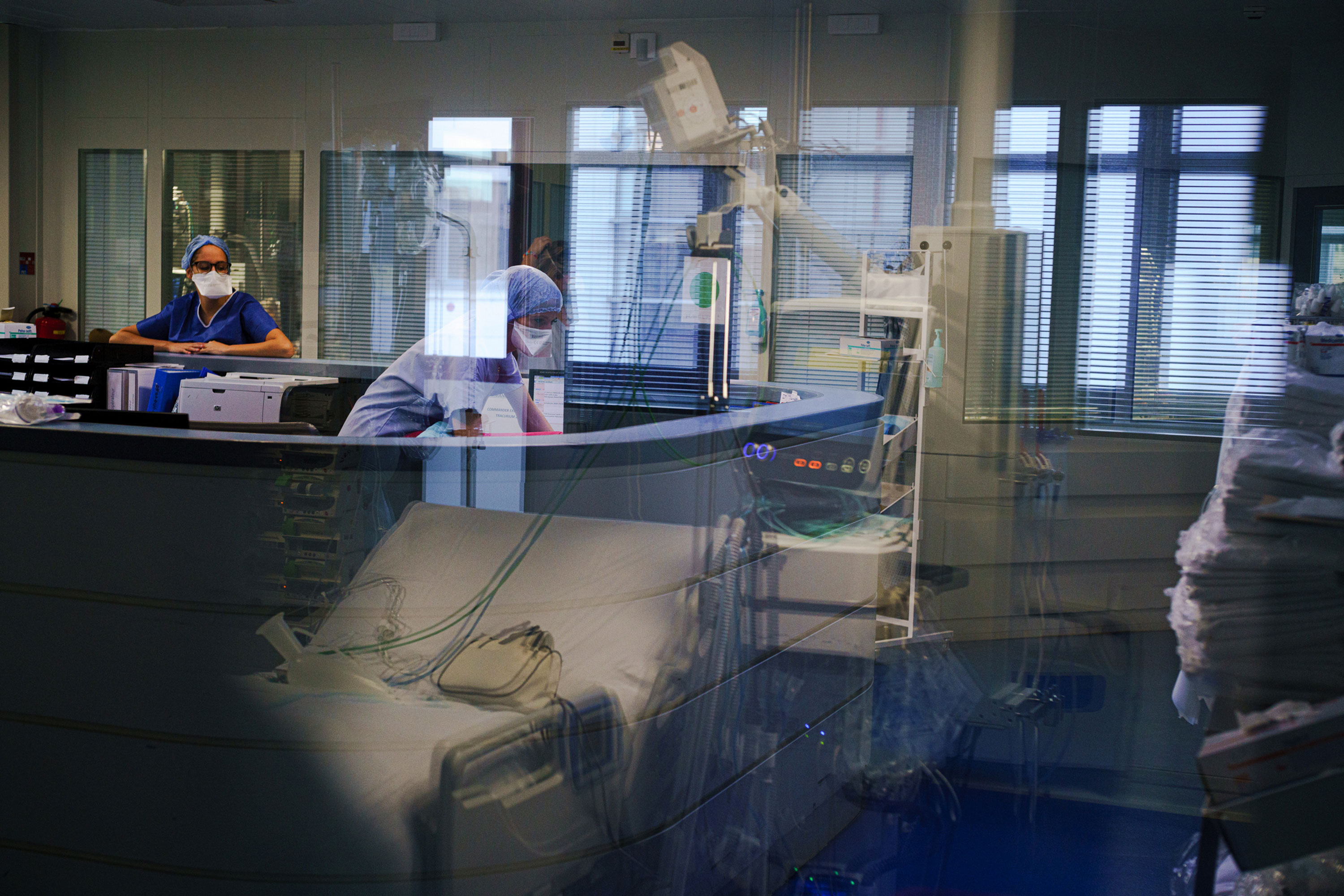 Healthcare workers in Saint Joseph hospital's intensive care unit in Marseille, France, on November 20.