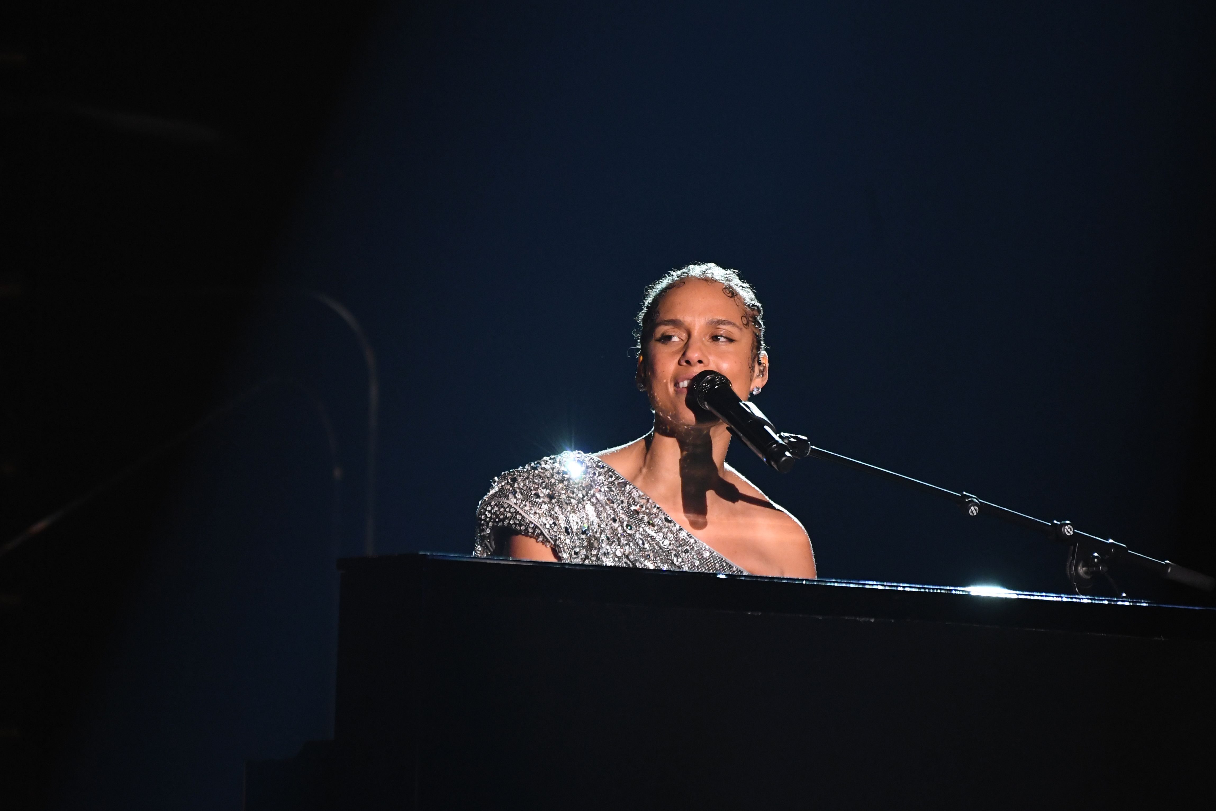 Coverage Of The 62nd Annual Grammy Awards Nobody else lyrics performed by alicia keys are property and copyright of the authors, artists and labels. coverage of the 62nd annual grammy awards