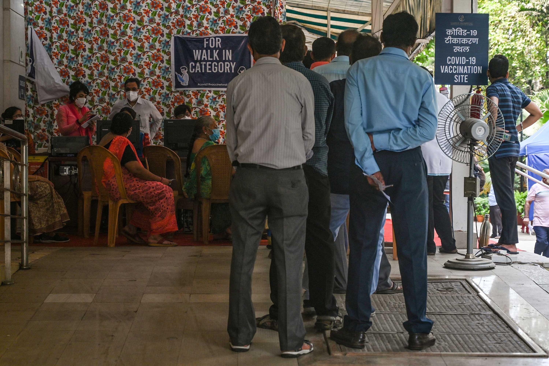 People register to receive a coronavirus vaccine at the Saifee Hospital in Mumbai, India, on April 12.