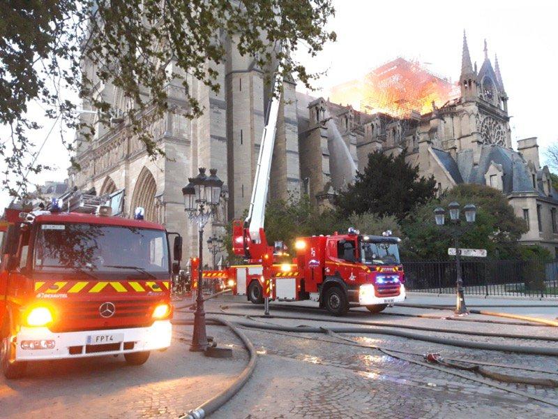 Pompiers de Paris/Twitter
