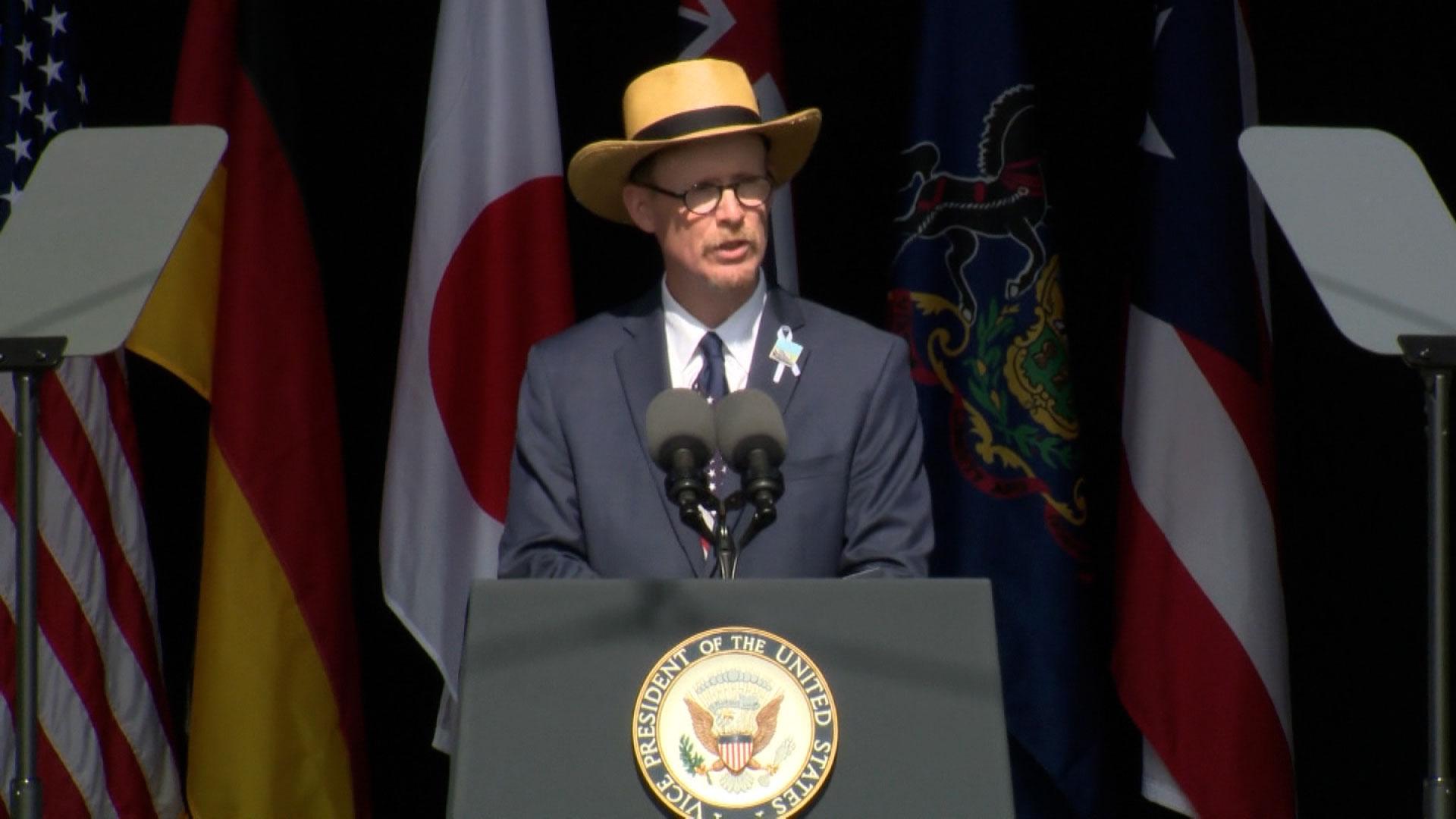 Gordon Felt, the president of the Families of Flight 93, speaks at a ceremony in Shanksville, Pennsylvania, on September 11.