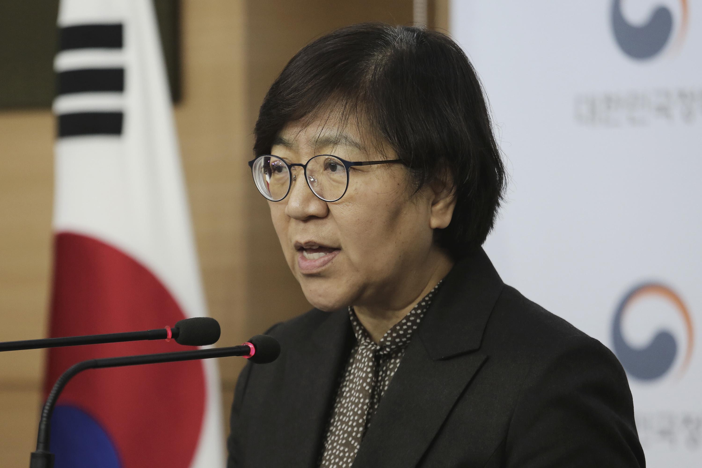 Directorul centrelor sud-coreene pentru controlul bolilor, Jung Eun-kyeong, vorbește în timpul unei conferințe de presă la Seul, pe 23 ianuarie.