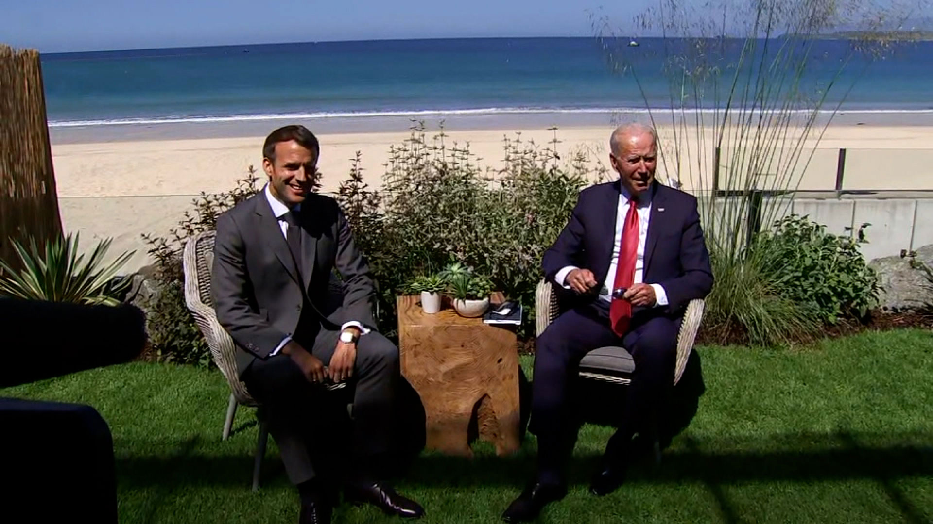 French President Emmanuel Macron and US President Joe Biden hold a meeting in Carbis Bay, England, on June 12.