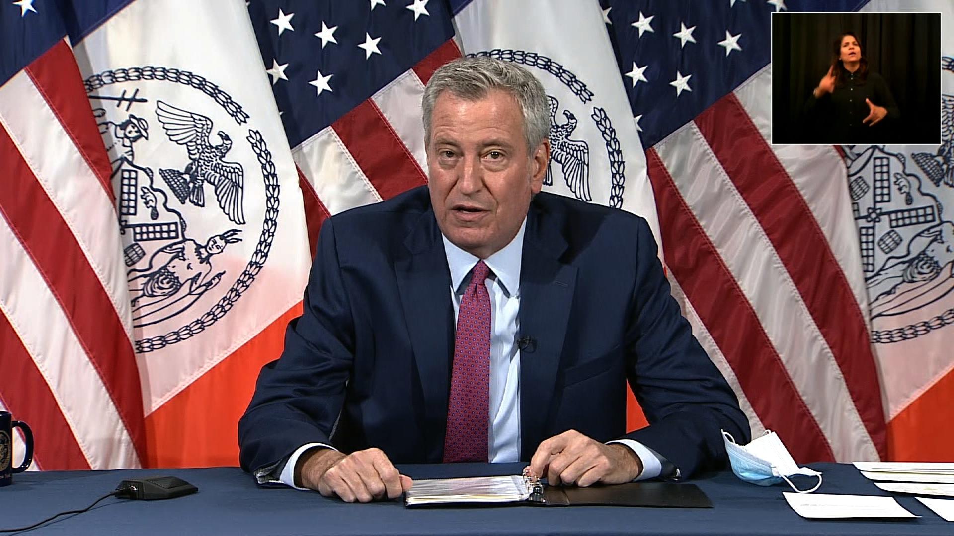 Mayor Bill de Blasio speaks at a press conference in New York on November 9.