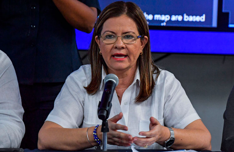 Panama's Health Minister Rosario Turner announces the first death by coronavirus in the country in Panama City, on March 10.