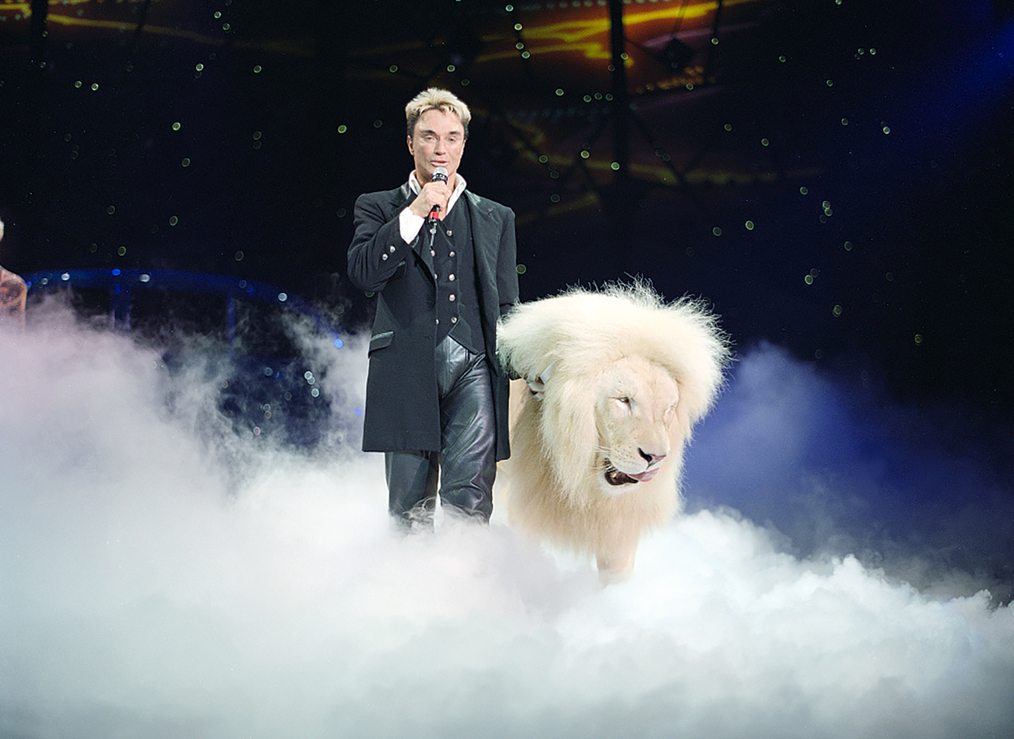 Roy Horn, of the illusionist pair Siegfried and Roy, at the Mirage Hotel in Las Vegas, Nevada, in 2003.