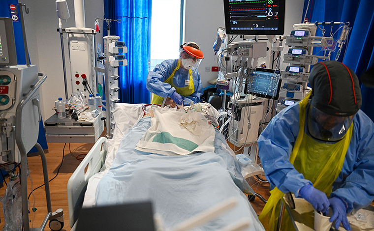 Clinical staff care for a patient in the Intensive Care Unit at the Royal Papworth Hospital in Cambridge, UK, on May 5.