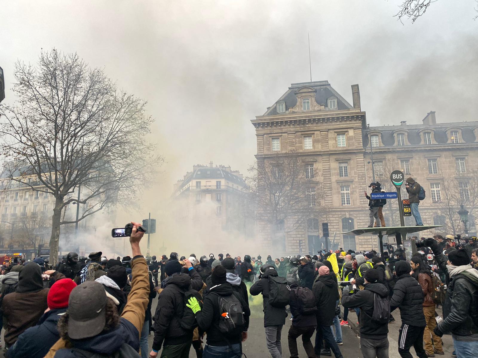 Police have asked protesters to move along to Place de la République.