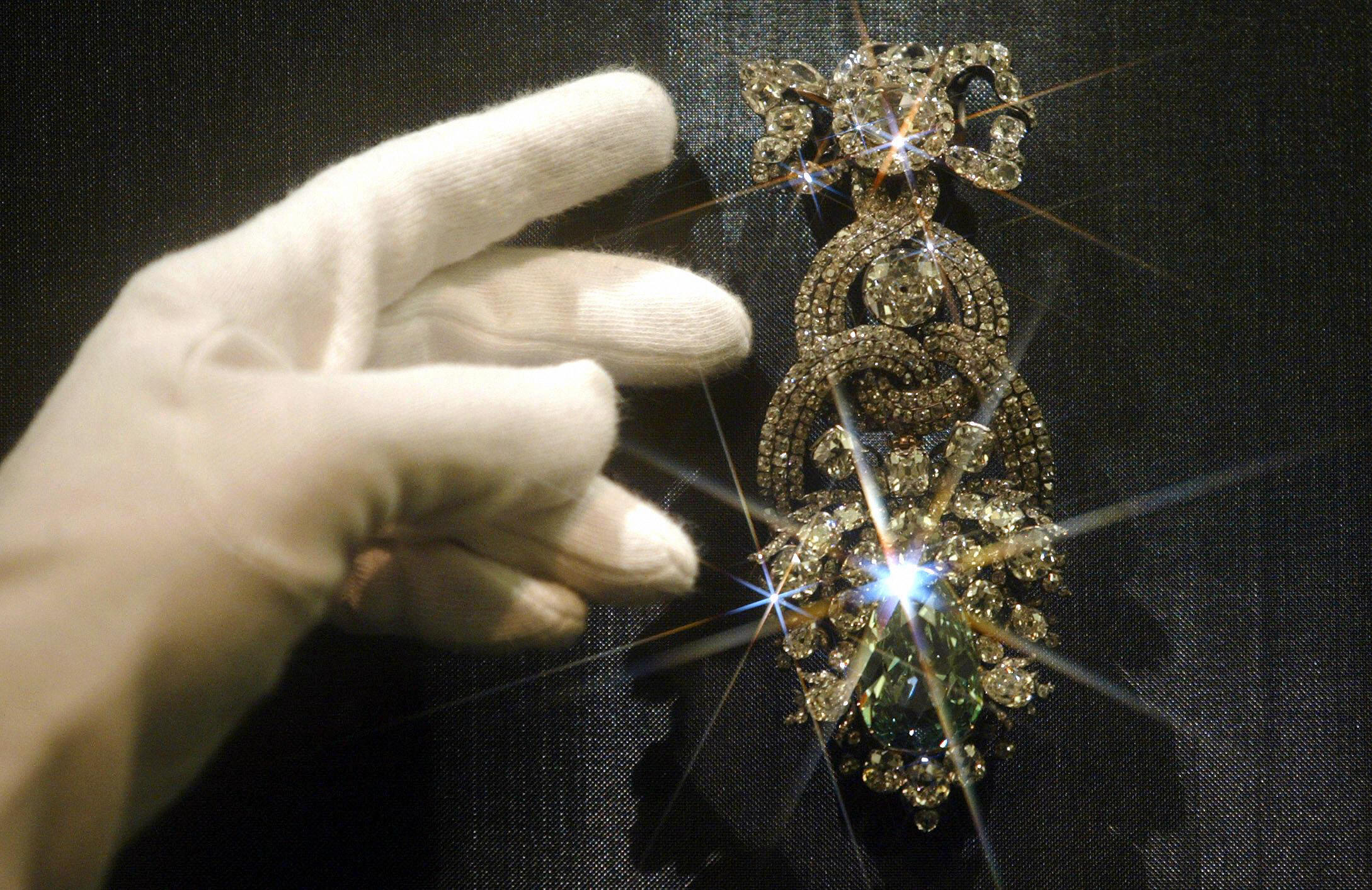 The Dresden Green Diamond is seen in the Watzdorf cabinet of the Green Vault in 2004.