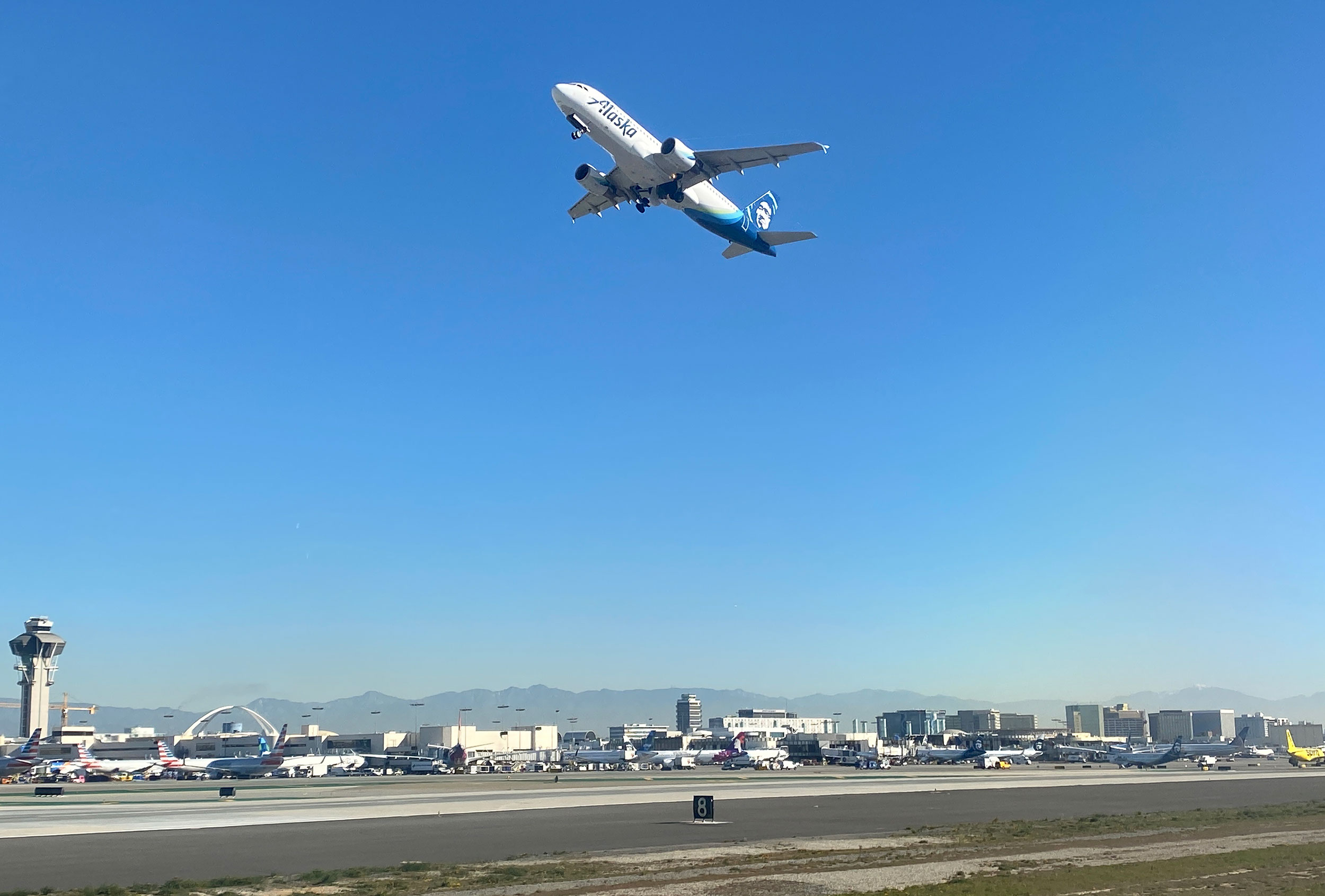 An Alaska Airlines Airbus 320 takes off from Los Angeles International Airport on February 6, 2020.