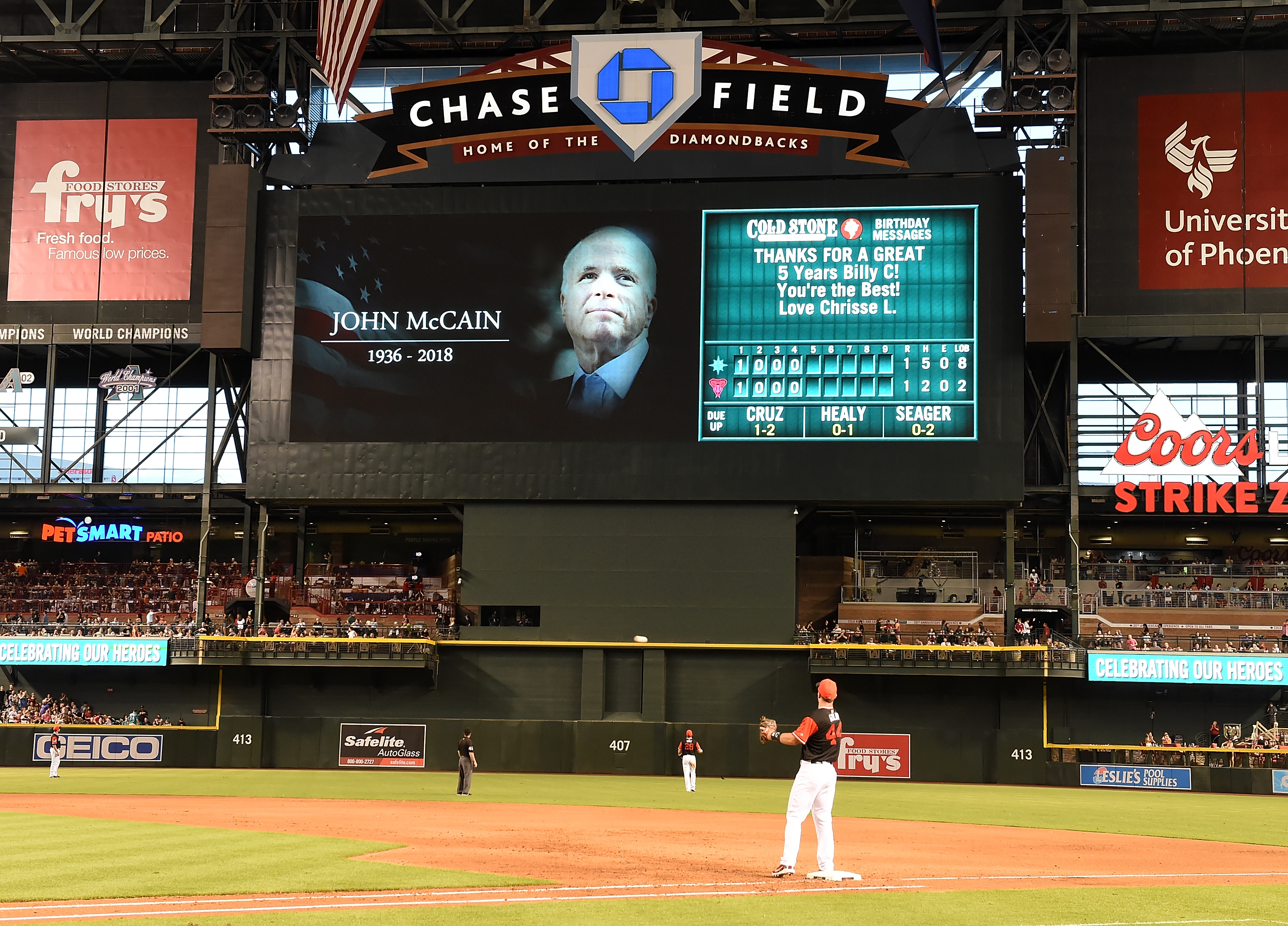 The Arizona Diamondbacks paid tribute to the late US Senator John McCain during a game against the Seattle Mariners at Chase Field in Phoenix on Saturday