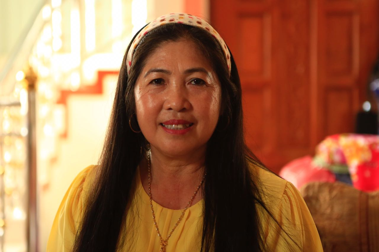 Amporn Sriwichai, the aunt of the trapped coach.
