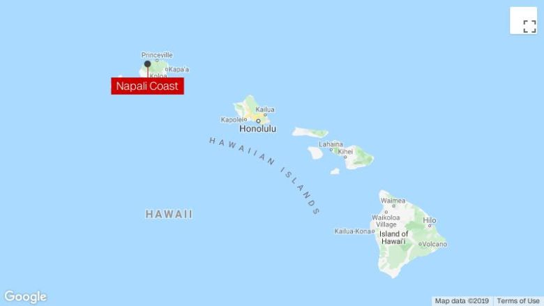 Coast Guard searches for tourist helicopter that went missing in Hawaii