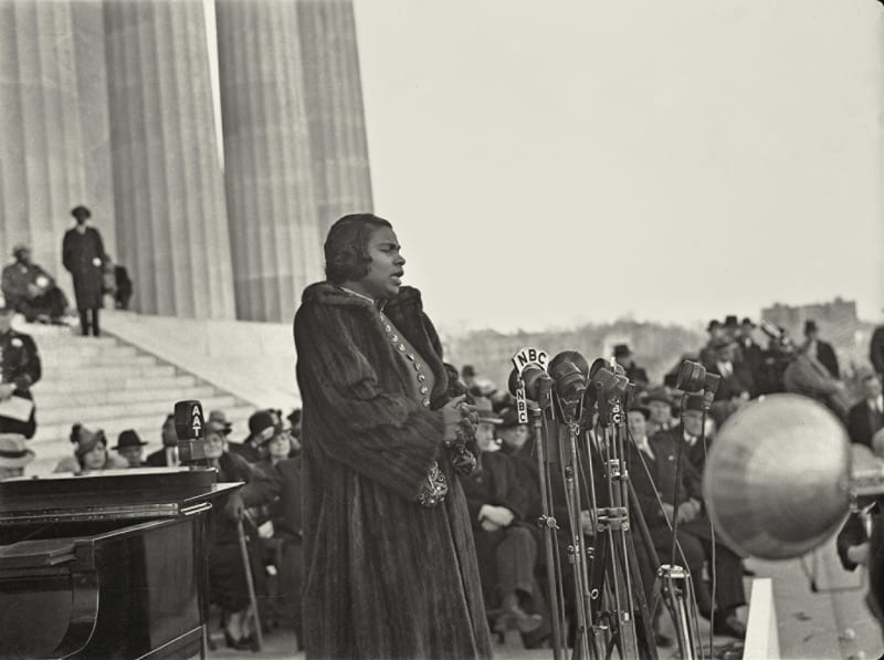 Marian Anderson, the African-American contralto, sings on Easter Sunday 1939 at the Lincoln Memorial in Washington. Credit: Universal History Archive/Getty Images