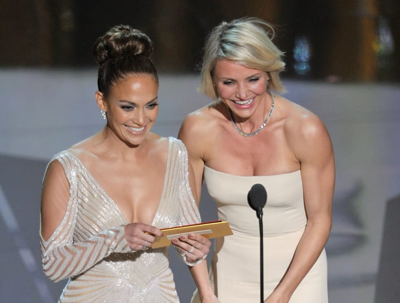 Jennifer Lopez Cameron Diaz 2012 Oscars presenting