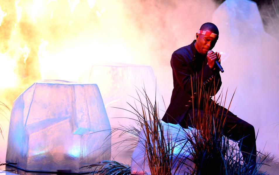 VMA Frank Ocean performs