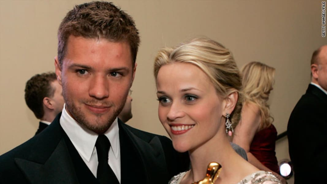 splits Reese Witherspoon and Ryan Phillippe