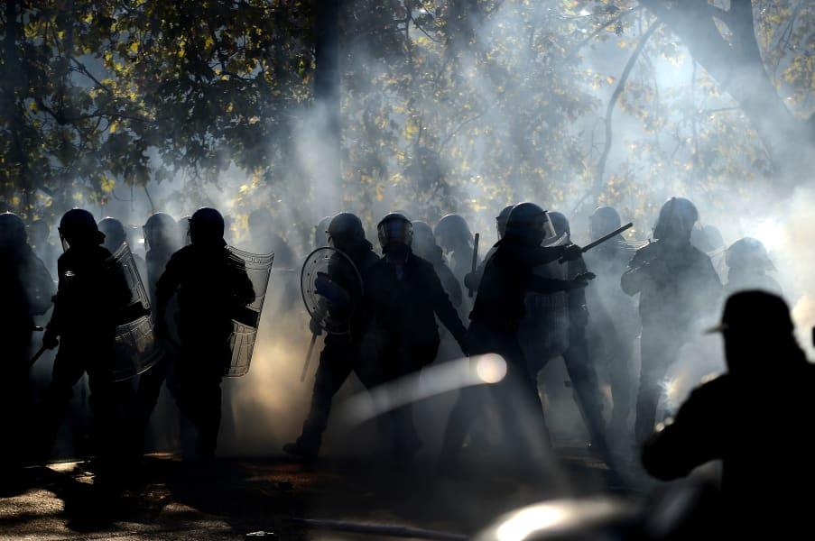 Eurozone smoke Rome police