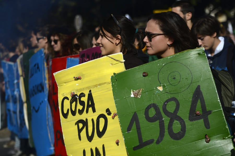 07 eurozone protest 1115