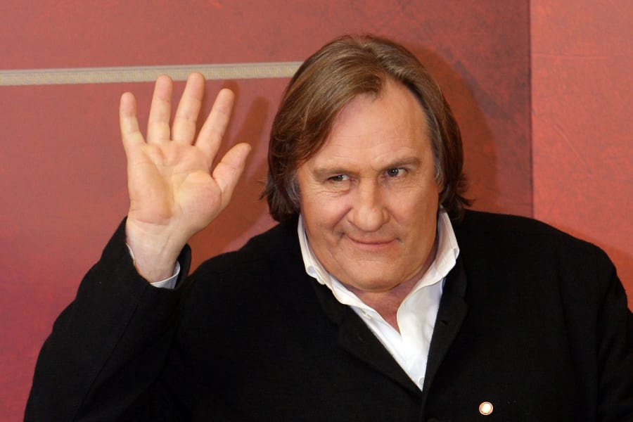 gerard depardieu waving