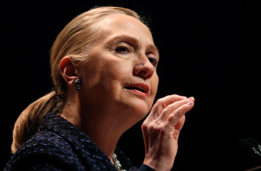 Clinton hand.file.gi