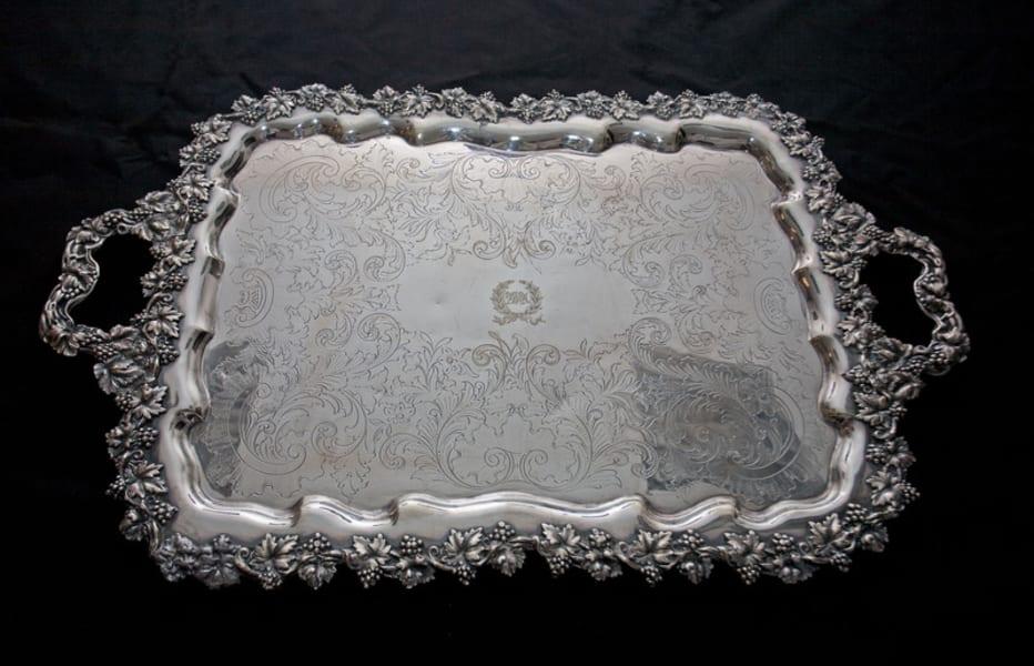 Waldorf astoria serving plate