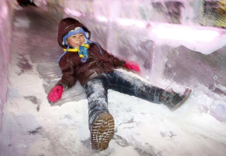 08 ice festivals 0111