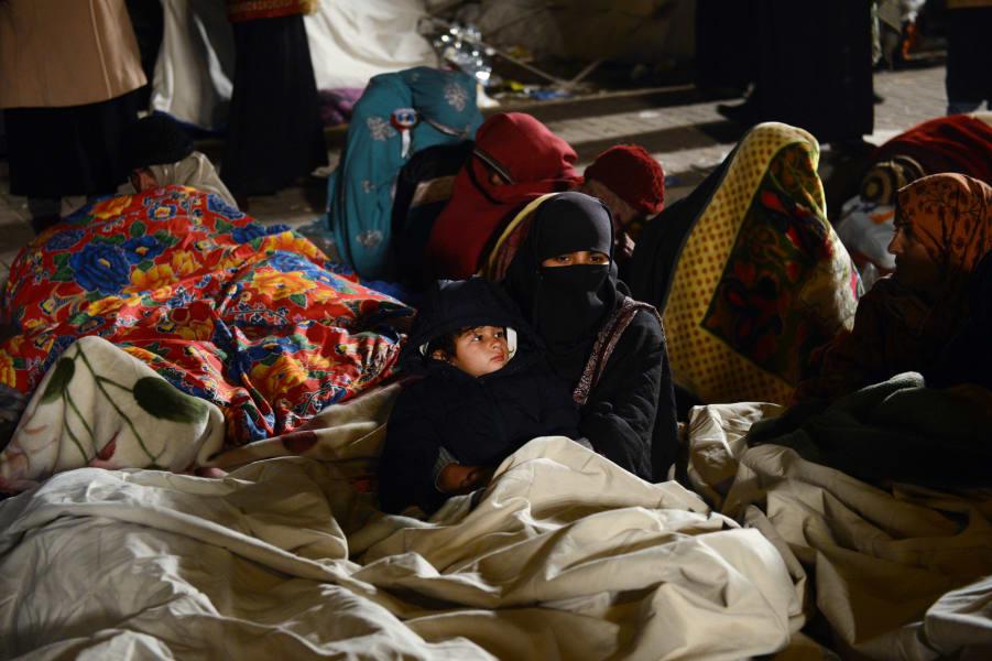 Pakistan woman child