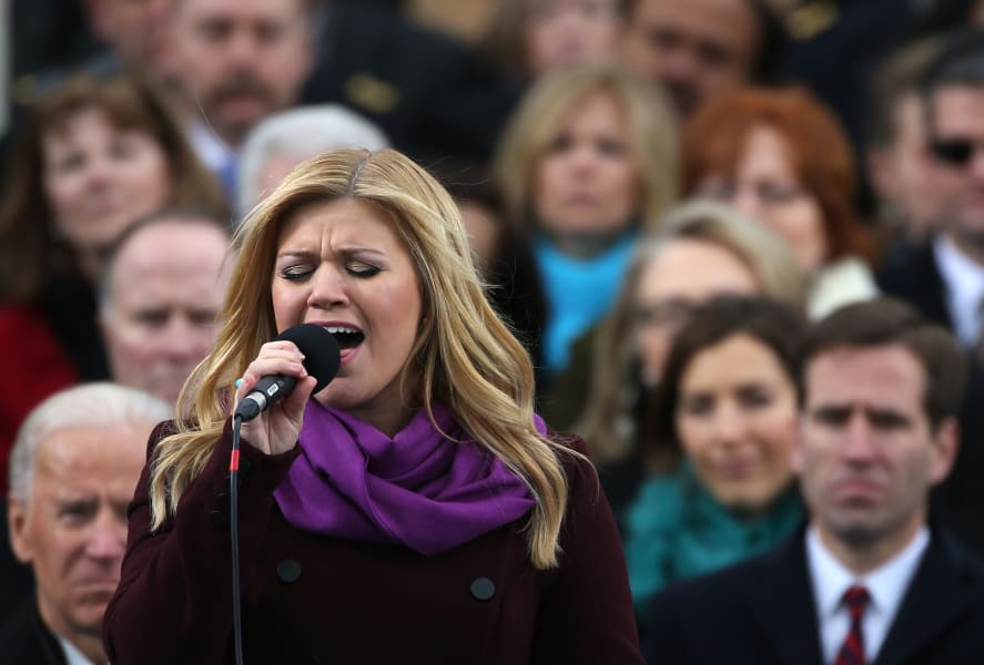 Kelly Clarkson performs