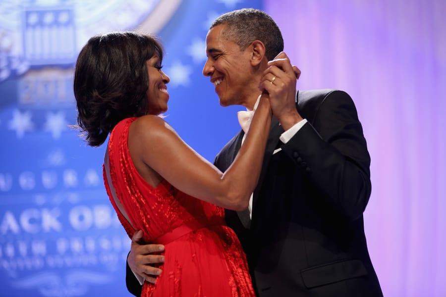 obamas dancing inaug
