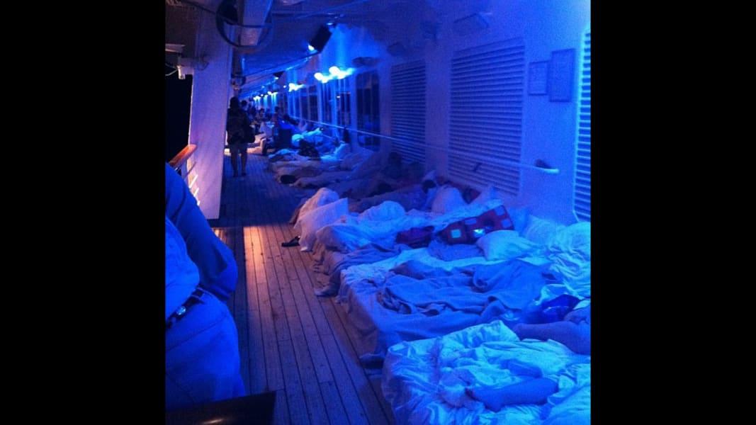 10 cruise passengers 0214