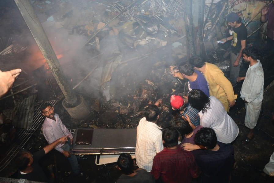 06 karachi blast 0303