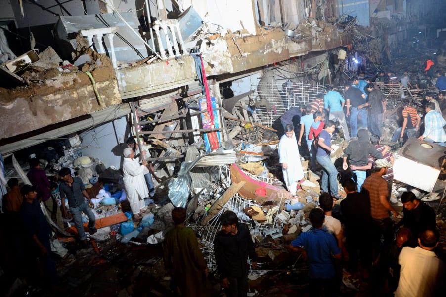 07 karachi blast 0303