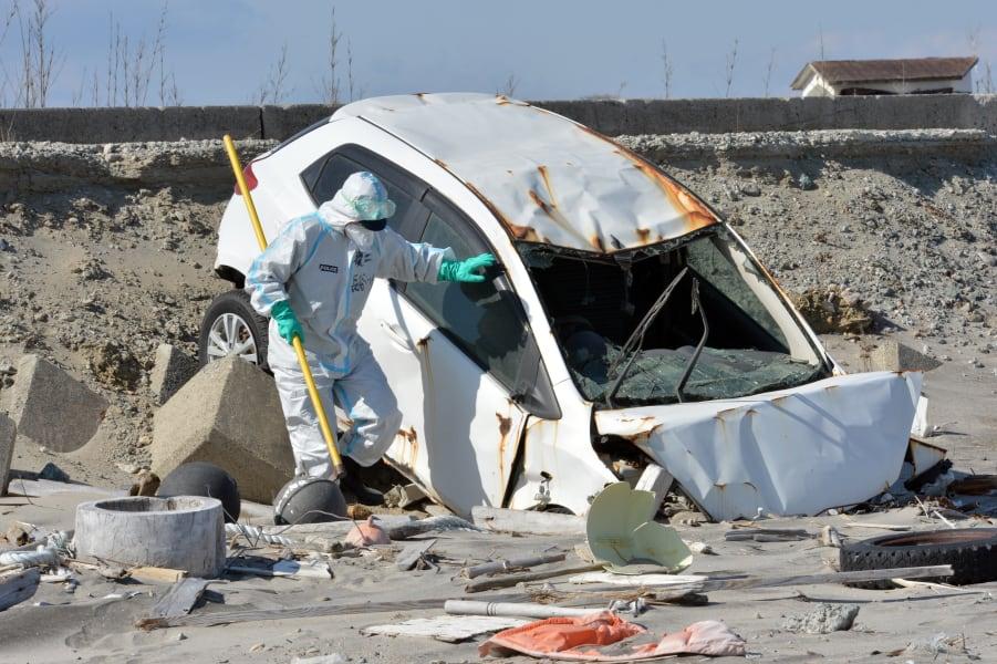 01 tsunami anniversary 0311