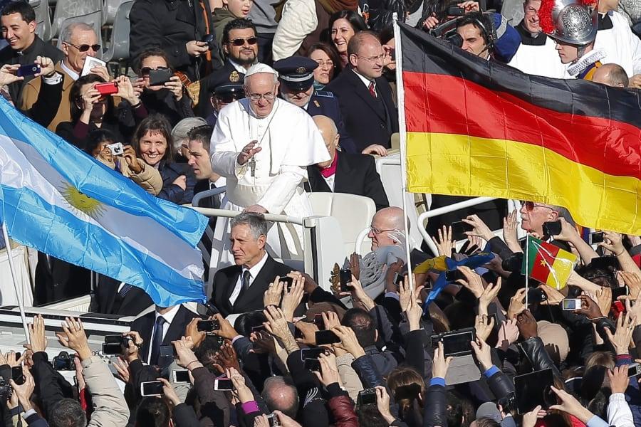 12 pope inauguration