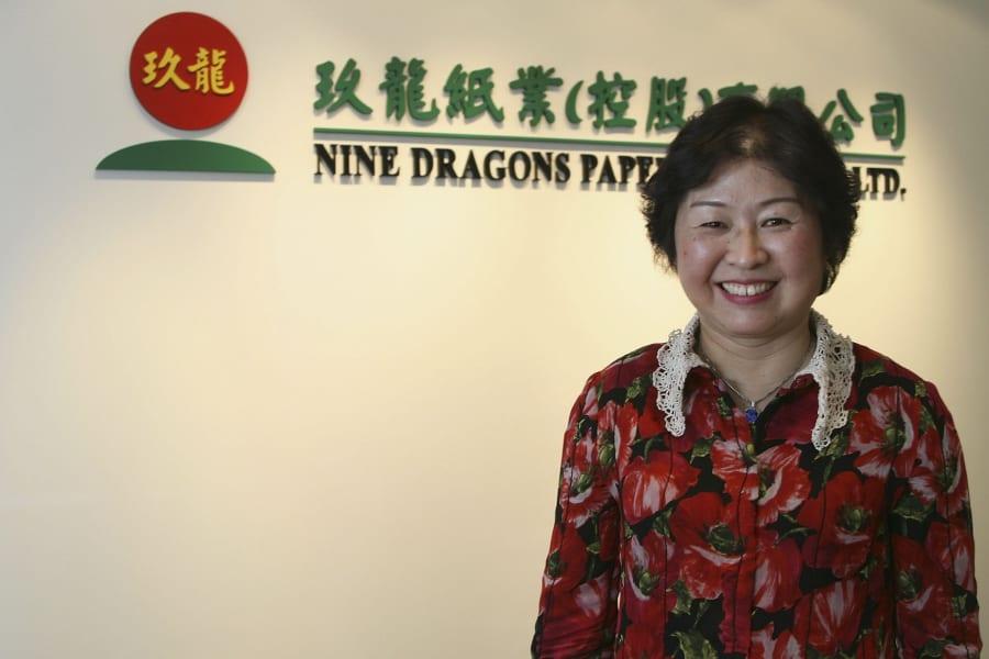 Cheung Yan leading women