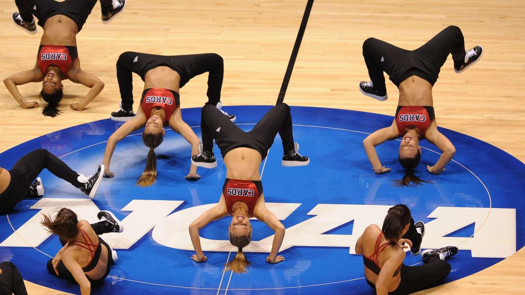 01 cheerleaders