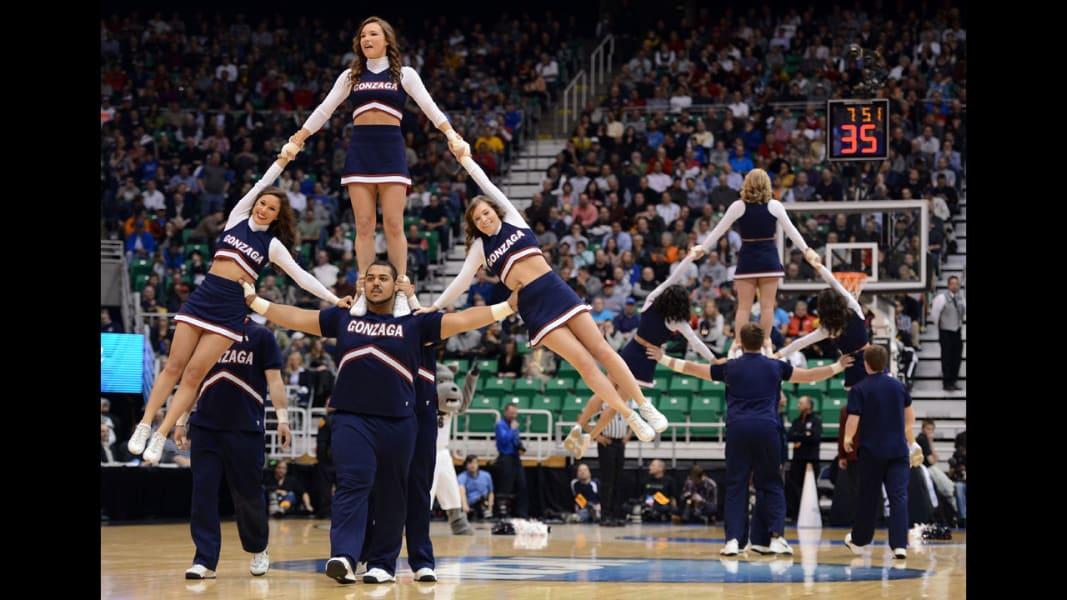 04 cheerleaders