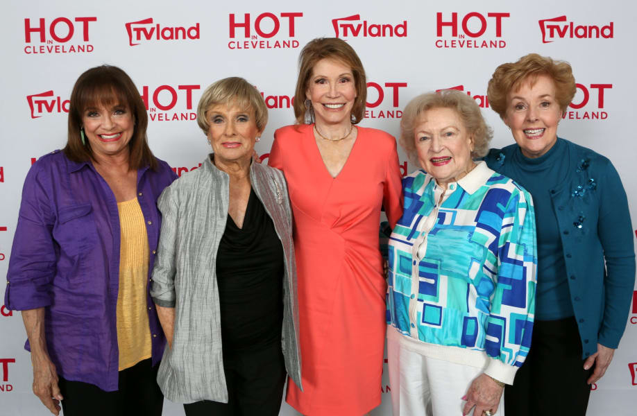 mary tyler moore hot in cleveland