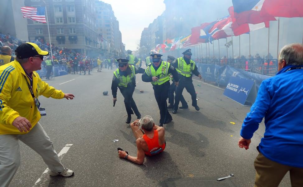 boston marathon explosion 08
