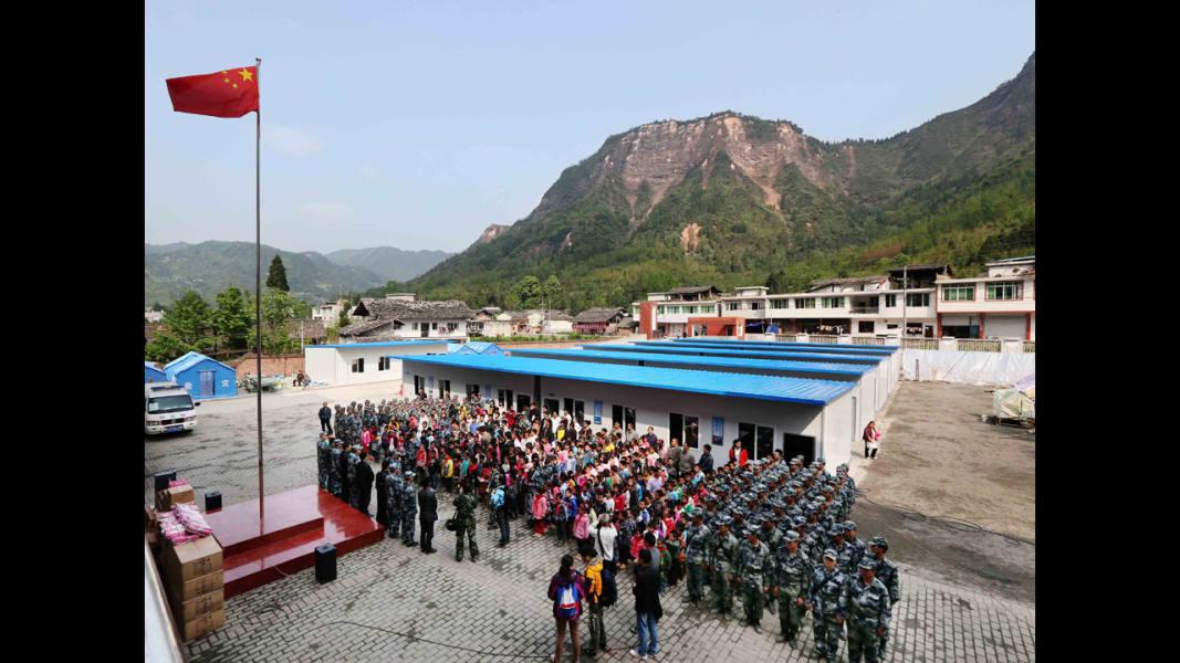 02 china earthquake 0426