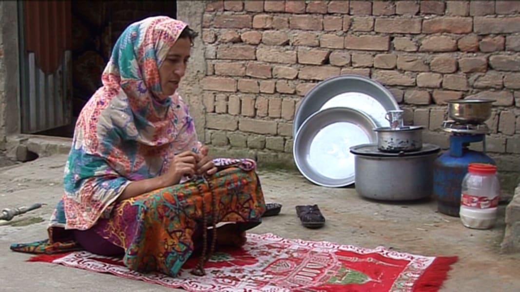 robertson pkg pakistan female candidate_00010911