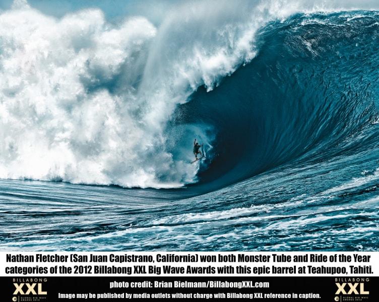 big wave teahupoo tahiti