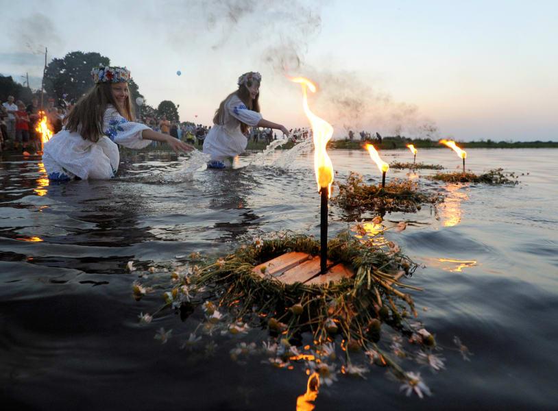 midsummer belarus girls water