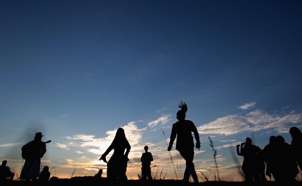 midsummer solstice stonehenge dancers