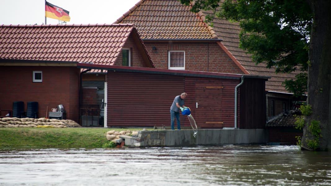 02 euro floods 0612