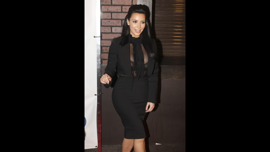 10 kardashion pregnancy style