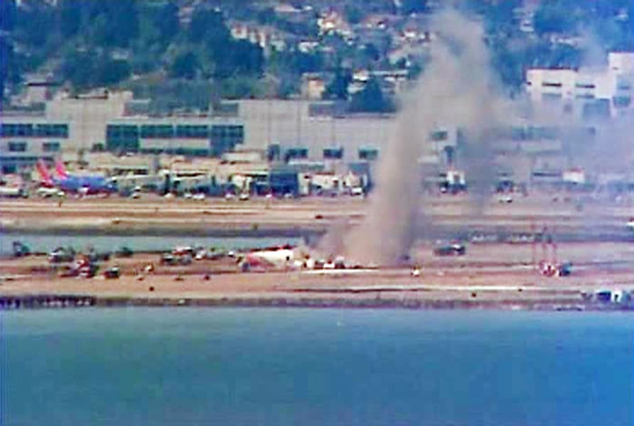 san fransisco plane crash 02